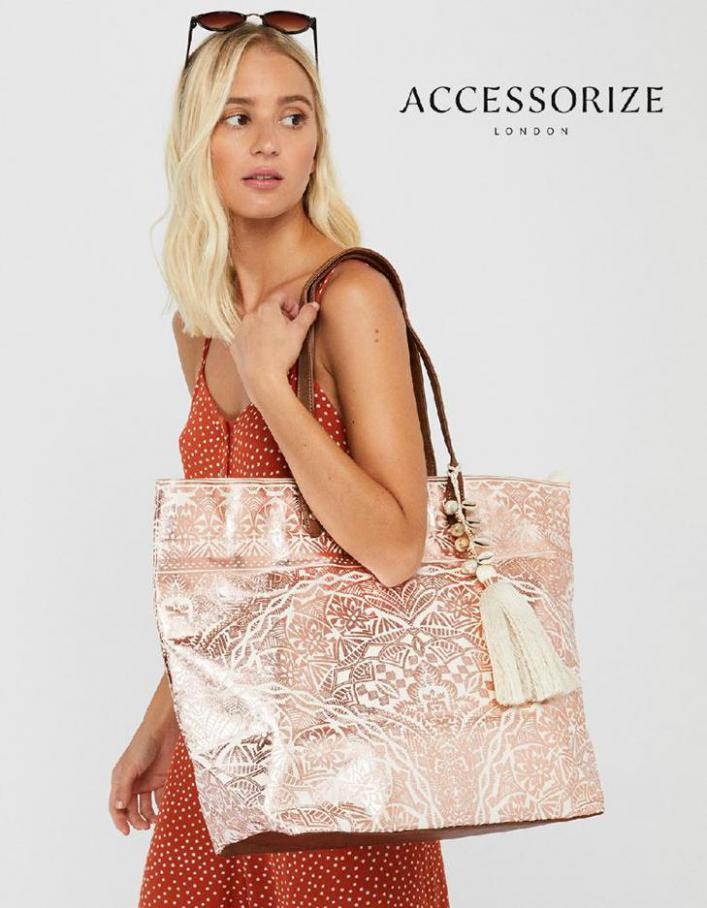 Hand in the bag . Accessorize (2020-08-03-2020-08-03)
